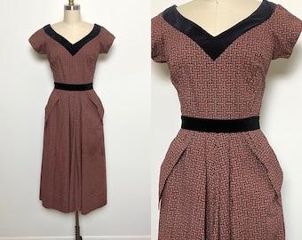 Vintage 1950s Dress 50s Cotton Day Dress Brown and Black Velvet Trim