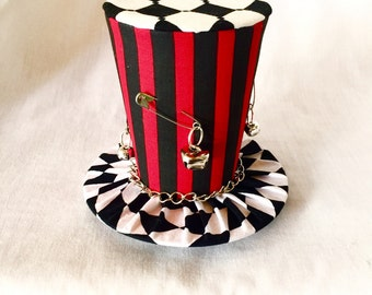 Tiny Top Hat: Harlequin - Black Red harley quinn joker steampunk gothic goth burlesque kawaii cosplay
