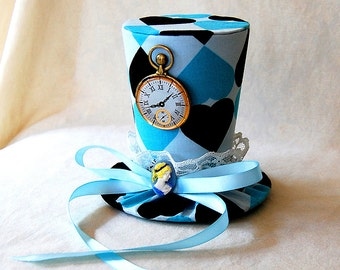 Tiny Top Hat: Alice In Wonderland V2 - Lolita Cosplay Costume Party Fascinator Photo Photography Prop Wedding Tophat Small Miniature little
