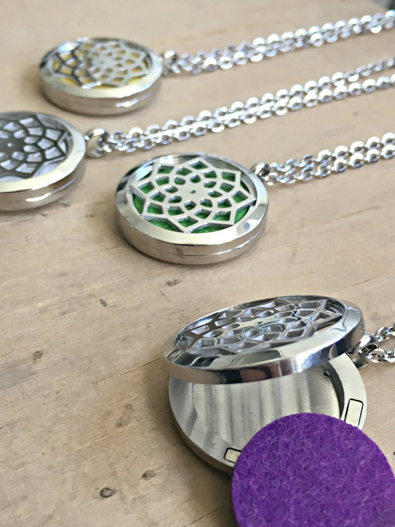 Aromatherapy Necklace Essential Oil Necklace Essential Oil Diffuser Necklace Meditation Gifts Aromatizer Stainless Steel Locket Necklace