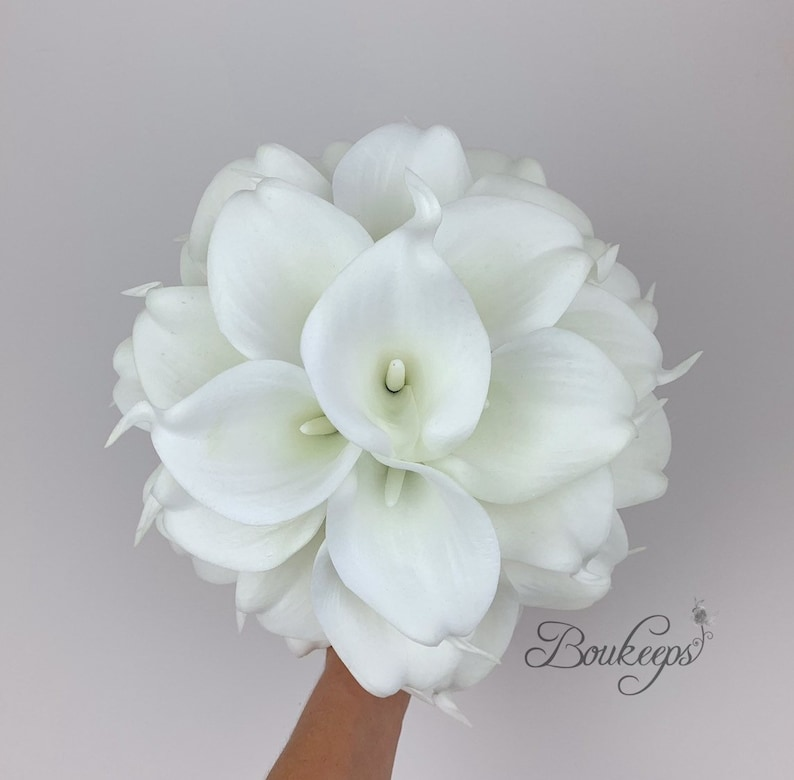 Bridesmaid White Ivory Calla Lily Bouquet with Burlap and Ivory Lace Calla Lily Bridal Bouquet Choose Calla Lily Color Pearls Wedding