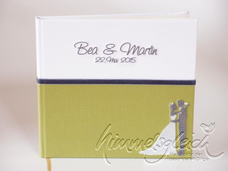 Guestbook Combi Uni green with bridal couple