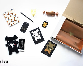 Goodie Box with Fellfische Cellphone Case - various sizes