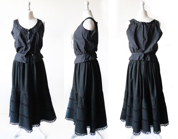 Ruffled skirt, old from the 1900s, Black woolen ch