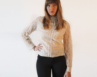 Vintage 1970's Off-white blouse, long sleeves, lace, medium