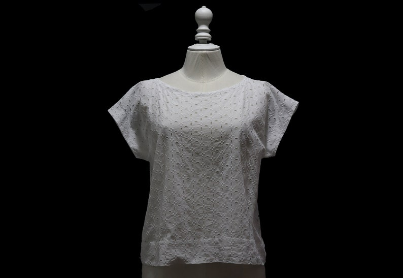 white cotton English embroidery Sewing work Vintage 1980 sleeveless top