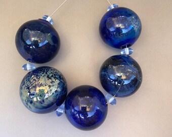 Five big handmade lampwork blown hollow glass beads transparent cobalt blue for making jewelry, statement necklace, flamework, artisan made