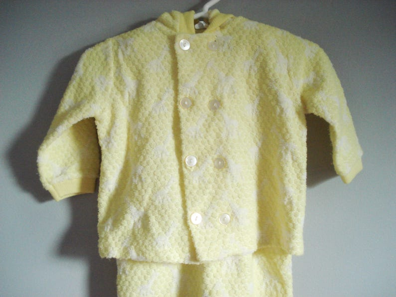 SALE Gimbels yellow with giraffes 3-6 months Vintage 2-piece outfit