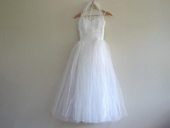 Exquisite 1950s dress - halter top - 1950s prom dr