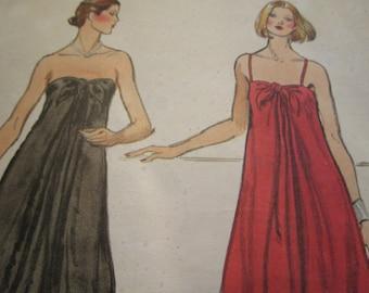 ceb61ad92e9de Items similar to Vintage 1940s Vogue 5707 Easy One Piece Dress ...