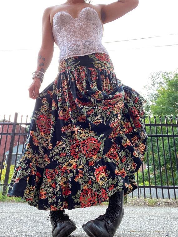 Norma Kamali Cotton Ruffle Skirt-Fall Roses-Giant… - image 4