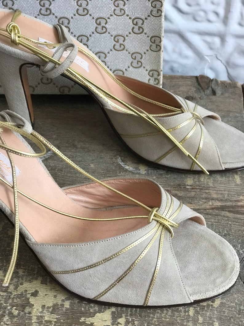 ce3bff6050d Gucci Vintage Dead Stock Suede High Heel Sandal Pump-Made in