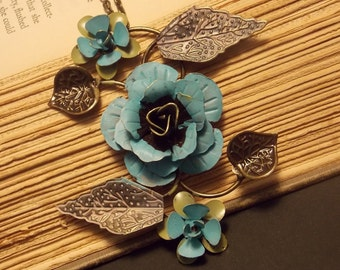Metal Rose Statement Necklace