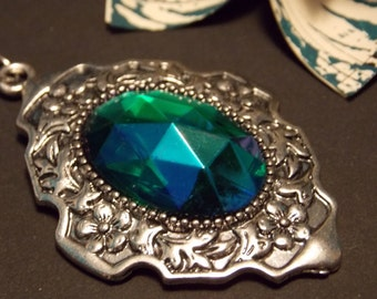 Vintage Glass Victorian Necklace