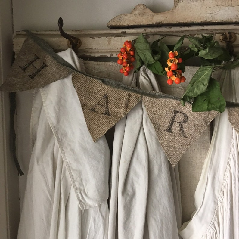HARVEST Garland Banner Antique Grainsack - a handmade fall decor item for home! #falldecor #vintagestyle #handmade #homedecor #harvest #banner