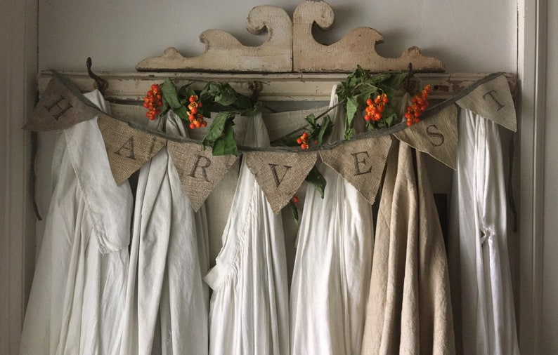 HARVEST Garland Banner Antique Grainsack - a lovely fall decor find for home! #falldecor #frenchcountry #vintagestyle #handmade