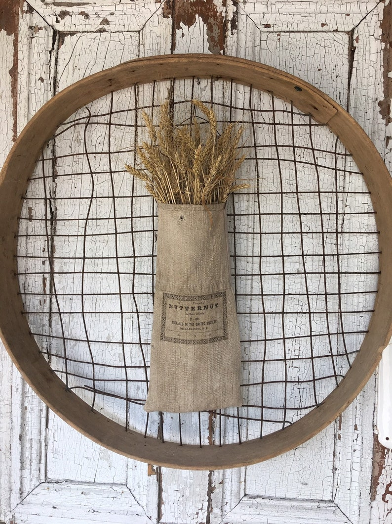Primitive Grainsack Pocket Bag for autumn. #frenchfarmhouse #homedecor #rusticdecor #homedecor