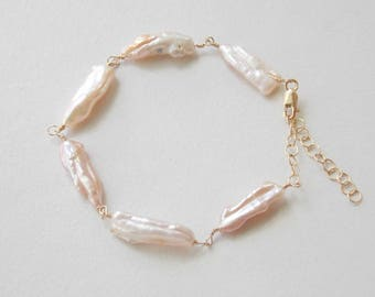 Freshwater Biwa Pearl Bracelet in Gold Fill. Black Pearl, Pink Pearl, White Pearl