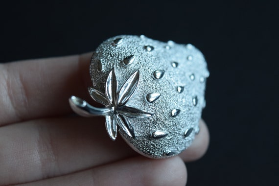 Strawberry Brooch, Sarah Coventry Brooch, Silver … - image 5