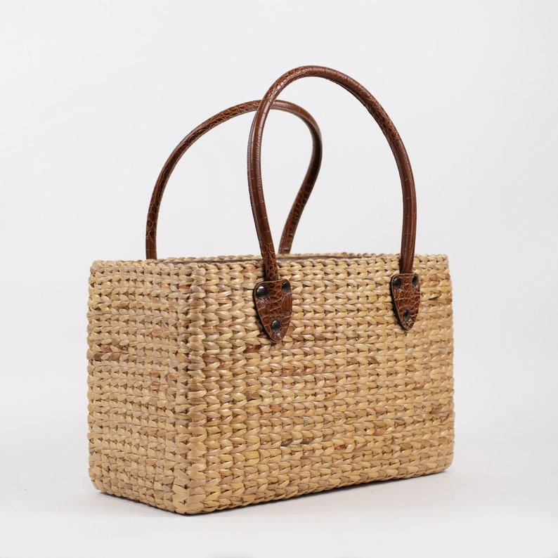 Handwoven straw basket bag straw handbag seagrass basket  63756852f9200