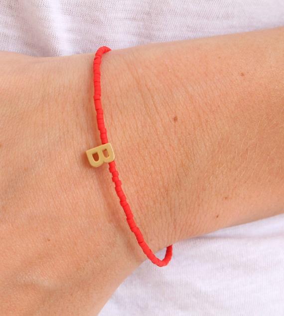 Letter bracelet. Gold Initial Bracelet. Personalized Tiny Gold Letter Friendship Bracelet. Bridesmaids Gift Bracelet. Letter bracelet charm