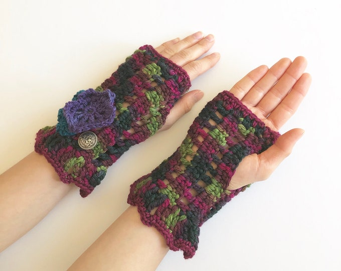 Floral arm warmers in purple pink green blue combo yarn, flowers, lace hand warmers, choose your colour, READY TO SHIP, hand warmers, cuff