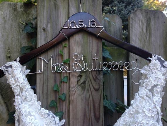 Wedding Dress Hanger with Date, Bride Hanger, Name Hanger, Bridal Gown  Hanger, Personalized Bride Gift, Bridal Shower, Engagement, Wedding