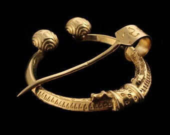Viking Age Penannular Brooch With Dragonheads