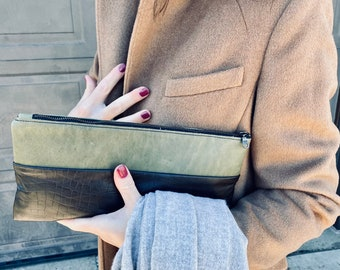 Very Soft Espresso and Green Leather Clutch/Leather Bag/Add style to your wardrobe/Clutch/Bag/Purse/Small bag/Gift/Leather purse