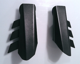 V1.0 Metal Batman Gauntlets - Dawn of Justice Fin Style