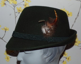 9f85ec44d6e Vintage 70s 80s Tyrolean Hat Traditional Hat With Side Feather Oktoberfest Alpine  Hat Green Tyrolean Hat