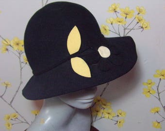 07d04c5e1f3 Vintage Black Wool Felt Floppy Hat 1970s Boho Hat Felt Hat with Felted  Flower Design Mitzi Boutique