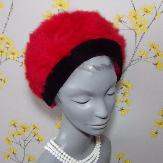 Vintage 1960s Tomato Red Angora Hat Rounded Hat Vintage Mohair  08a0ccd3813