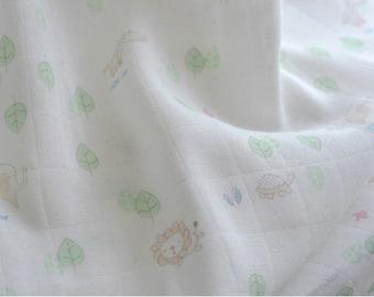 Antibacterial Bamboo Cotton Gauze in 2 Colors Elephant Turtle Giraffe Lion Bunny Zebra per Yard 20053