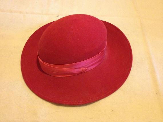 Vintage 1980s GEORGE W. BOLLMANN CO. Red 100% Wool