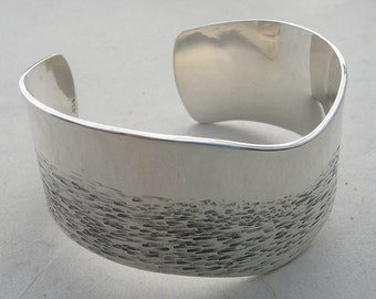 Hand Forged Silver Bangle//Modern Silver Cuff//Hammered and Forged