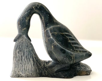 c1965 Inuit Soapstone Jewelry Carving by Mosesie Kolola Harbour Lake Inuit Sculpture 1930-1985