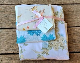 Vintage Sheet Set - Mismatched - Floral Flat sheet and 2 pillowcases