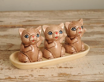 3 Cats Basket Salt and Pepper Shakers Painted JAPAN