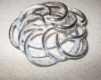 Silver Tone Sarah Coventry Silver Tone Pin Brooch Vintage Costume Jewelry #5213