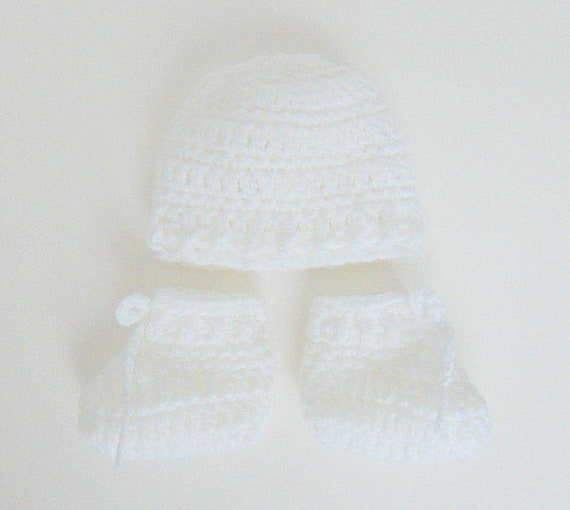 357746d840e Micro Preemie White Baby Booties And Hat Set NICU Very Small