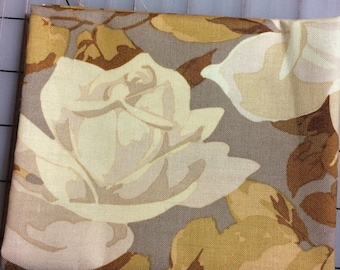 Martha Negley - Rose Garden Fat Quarter cut of Rose Toss in Natural *FQ cuts only*