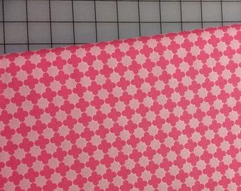 HALF YARD cut of Riley Blake Mini Quatrefoil by RBD Designers - C345-71 Pink/Hot Pink - 100% cotton