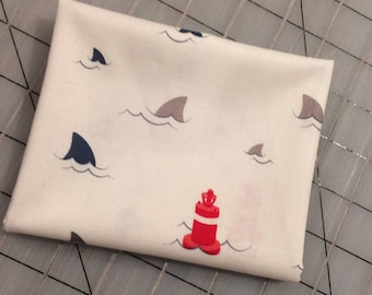 FAT QUARTER cut of Riley Blake - Sharks and Fins in White