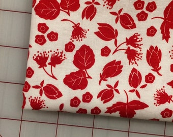 FAT QUARTER cut of Riley Blake - It's the Berries - Scatter in Red