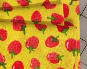 Flower Pedals - FAT QUARTER cut of Strawberries on Yellow - 41253-4