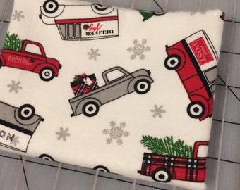 FLANNEL - FAT QUARTER Christmas Delivery in Cream - Carta Bella for Riley Blake Designs