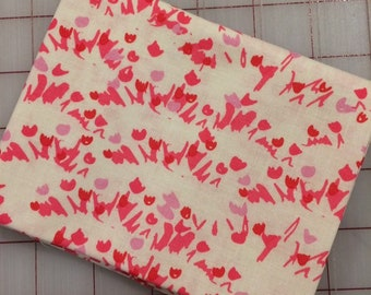 FAT QUARTER cut of Sweet Honey Kisses - Tulips in Cream by Tammie Green for Riley Blake