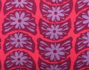 Anna Maria Horner - FAT QUARTER cut of True Colors - Crescent Blooms - PWTC002  - in Ruby