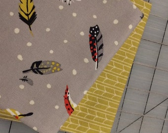 FAT QUARTER Bundle of 2 - Empress and Feather's Fly  - set #18